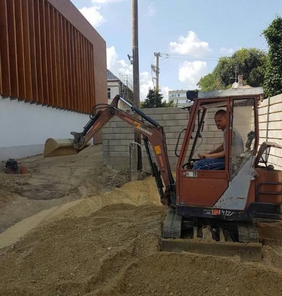 Gépi Földmunka minikotróval, Törmelék szállítás Érd